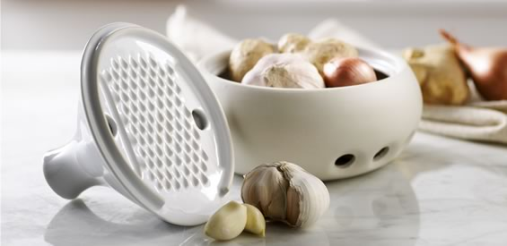 Casa Blanca Garlic Keeper