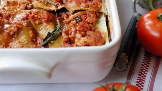 Emile Henry Traditional Beef Lasagna